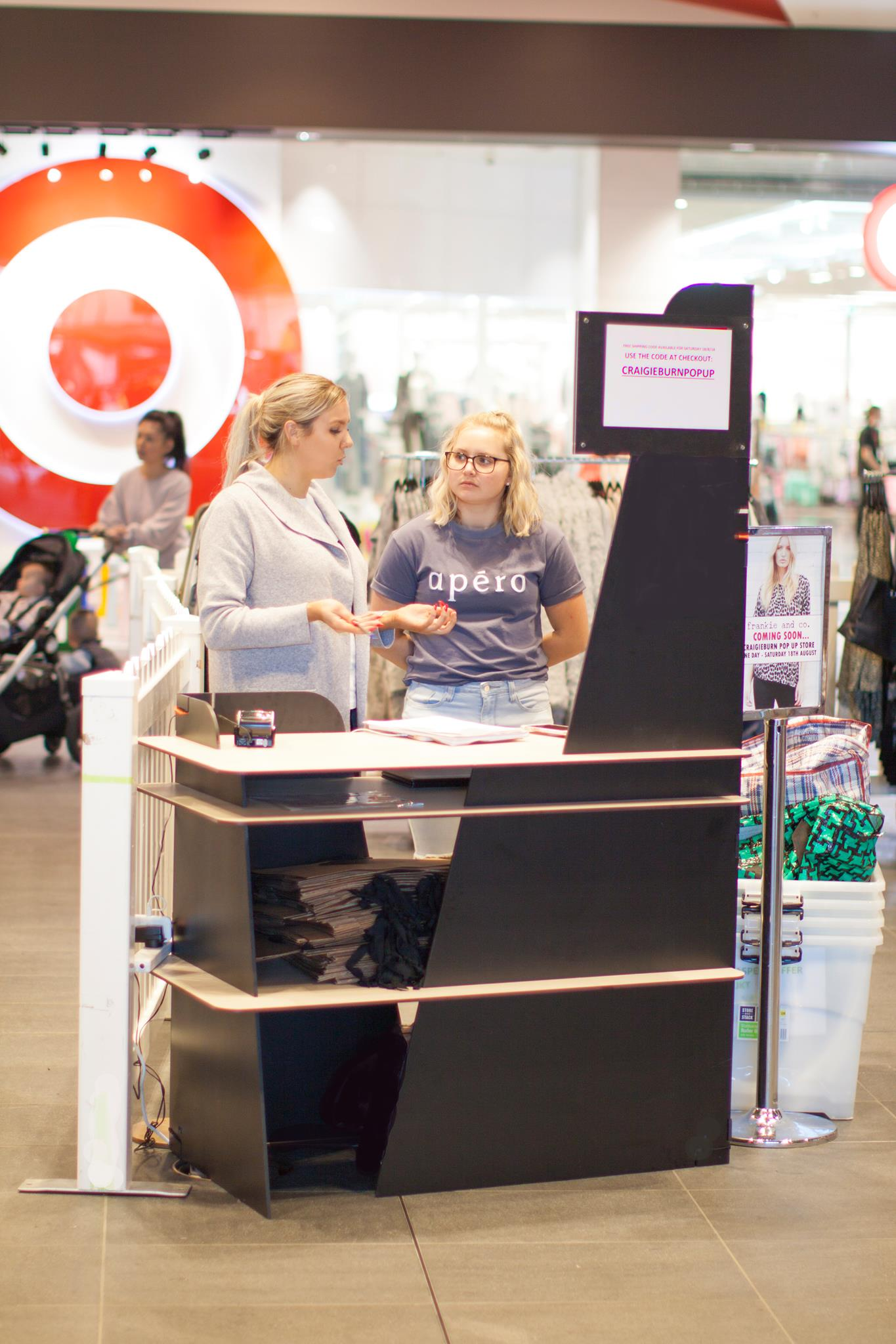 XPO3 collapsible kiosk pop up design and build for all retailers